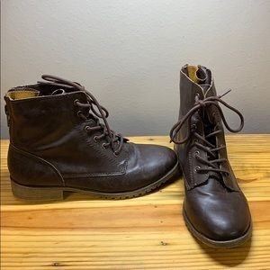 7.5 Rampage Womans Boots